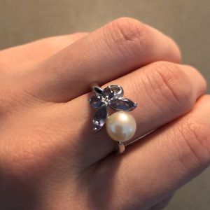 Swarovski butterfly and pearl ring size 6